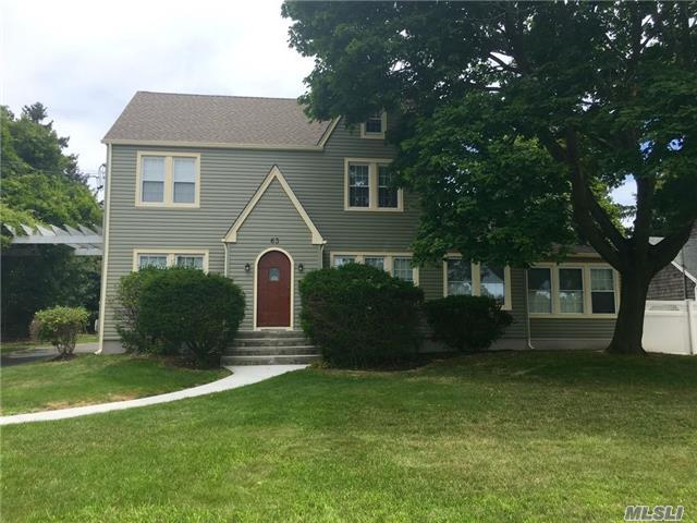 63 Sunset Dr, Sayville, NY 11782