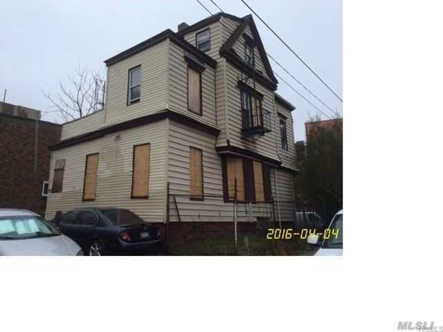 865 E 175 S St, Out Of Area Town, NY 10467