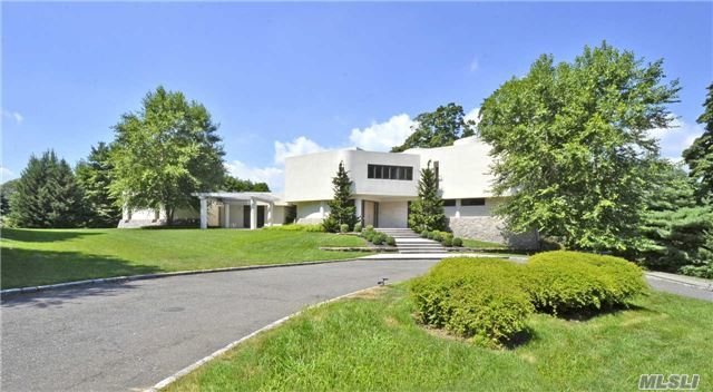 12 Sands Ln, Sands Point, NY 11050