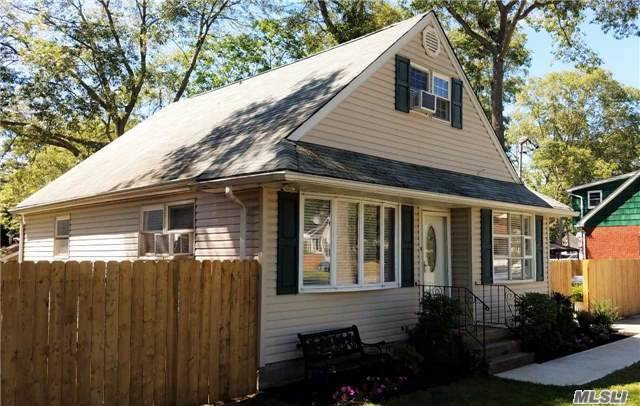 126 Mulford St, Patchogue, NY 11772