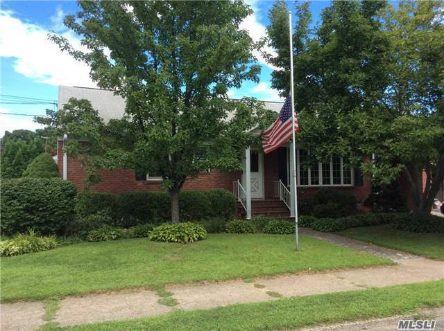 7 Lipton St, Out Of Area Town, NY 12401