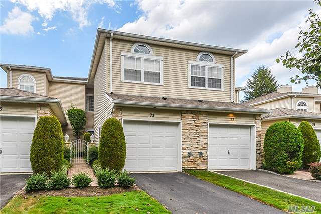 73 Windwatch Dr, Hauppauge, NY 11788