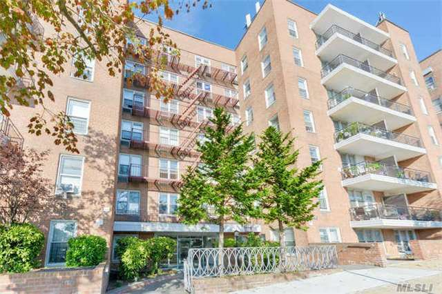 67-50 Thornton Pl #4n, Forest Hills, NY 11375
