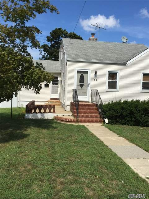 59 Nottingham Ave, Valley Stream, NY 11580