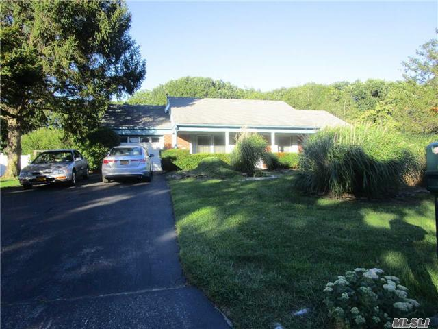 11 Westbrook Rd, Coram, NY 11727