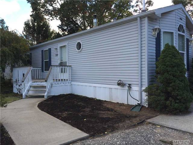 1661-280 Old Country Rd, Riverhead, NY 11901