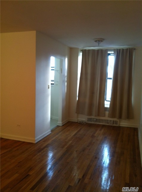 6730 Dartmouth St #4f, Forest Hills, NY 11375