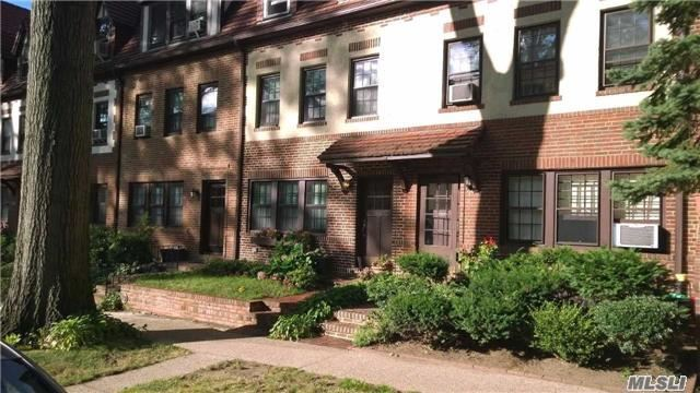 382 Burns St #1stfl, Forest Hills, NY 11375