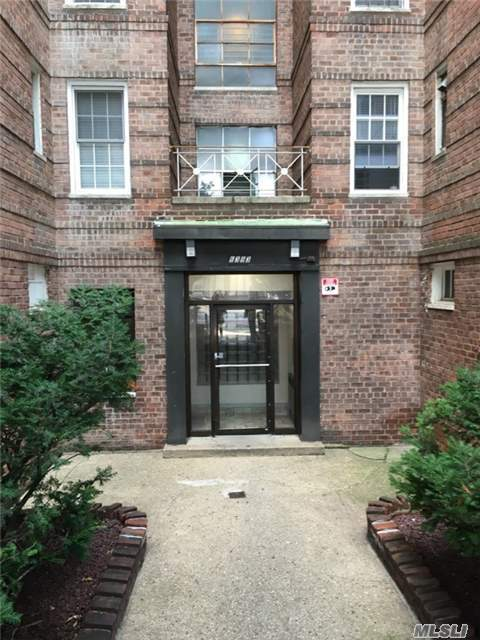 63-93 Woodhaven Blvd #3h, Rego Park, NY 11374