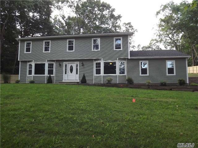 12 Frost Ln, Wading River, NY 11792