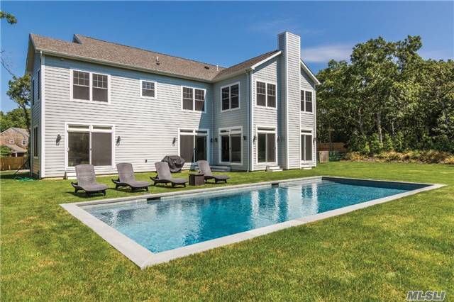 32 Fairway Dr, East Hampton, NY 11937