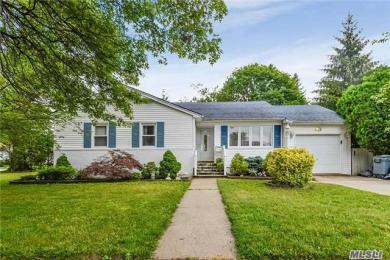 766 Evelyn Ave, N Bellmore, NY 11710