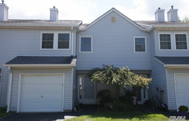 1207 Sara Cir, Pt Jefferson Sta, NY 11776