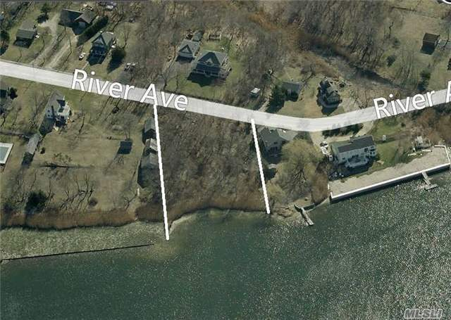 29 River Ave, Eastport, NY 11941