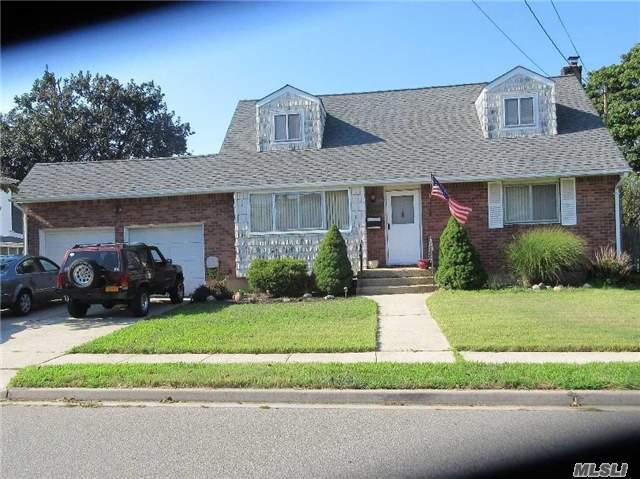 2487 Lincoln Blvd, N Bellmore, NY 11710