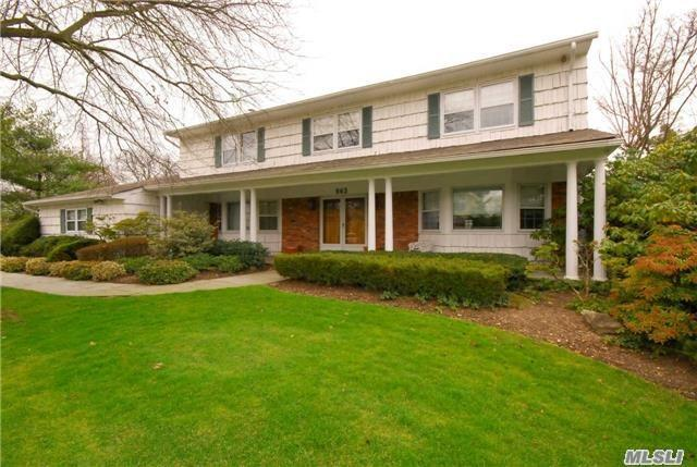 963 Wateredge Pl, Hewlett Harbor, NY 11557