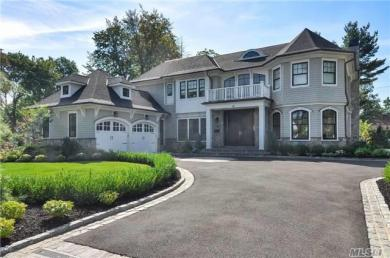 28 Clover, Roslyn Heights, NY 11577