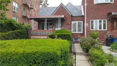 67-32 Thornton Pl, Forest Hills, NY 11375