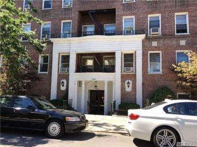75-40 Austin St #6el, Forest Hills, NY 11375