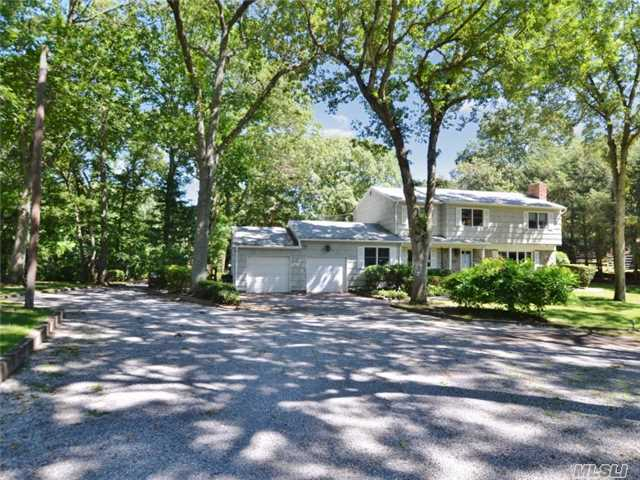 185 Old Willets Path, Smithtown, NY 11787