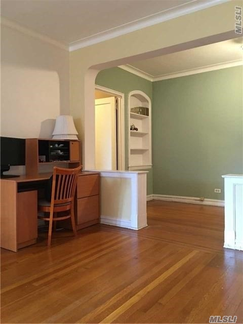 76-36 113 St #3o, Forest Hills, NY 11375