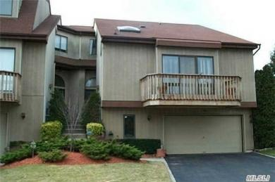 34 Clubside Dr, Woodmere, NY 11598