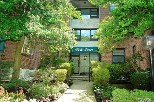 16 Stoner Ave #3d, Great Neck, NY 11021