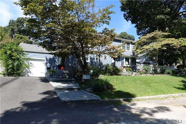 42 E East Slope Rd, Bayville, NY 11709