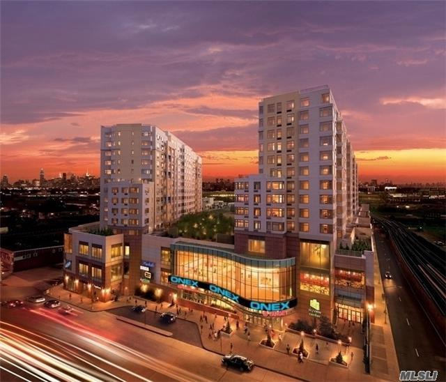 40-22 College Point Blvd #Ph1a, Flushing, NY 11354