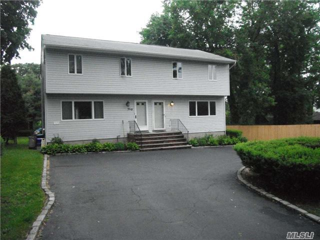 40 Hillside Ave #Left, Huntington, NY 11743