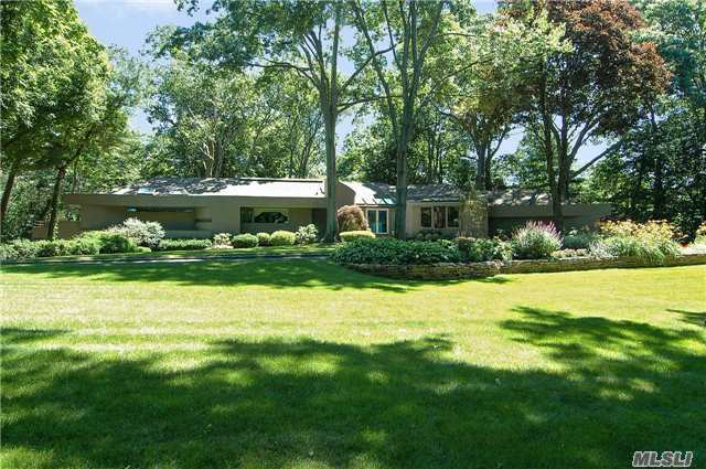 20 Hill Rd, Sands Point, NY 11050