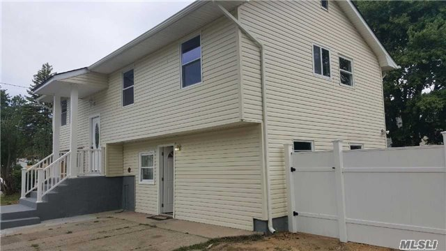 179 Strong St, Brentwood, NY 11717