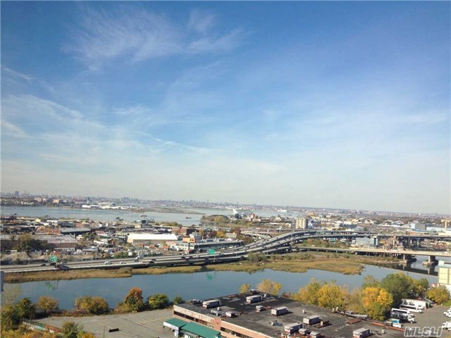 40-28 College Point Ave #Ph, Flushing, NY 11354