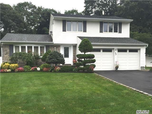 43 Fisher Rd, Commack, NY 11725
