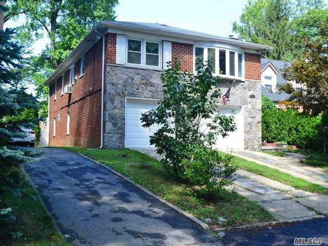 196-19 Como Ave, Holliswood, NY 11423