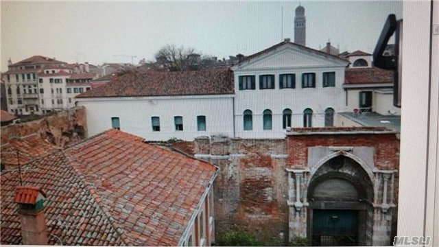 Cannaregio 2370, Out Of Area Town, IT 30121
