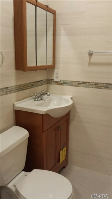 121-26 6th Ave #2 Fl, College Point, NY 11356