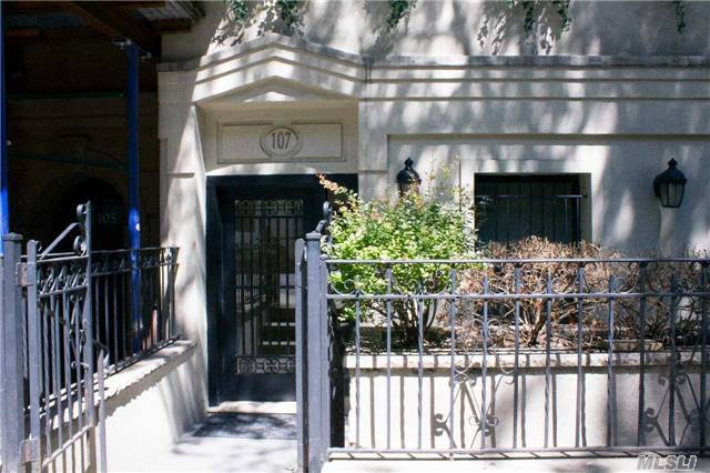 107 E 37th St #1, Out Of Area Town, NY 10016