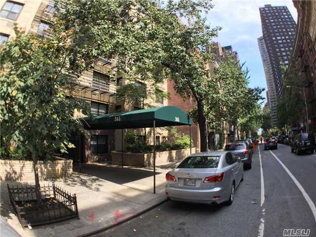 345 E 54th St #2g, Out Of Area Town, NY 10022