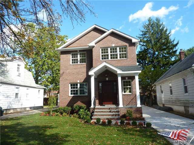 11 Mckee St, Floral Park, NY 11001