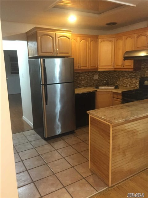 121-18 6th Ave #2fl, College Point, NY 11356