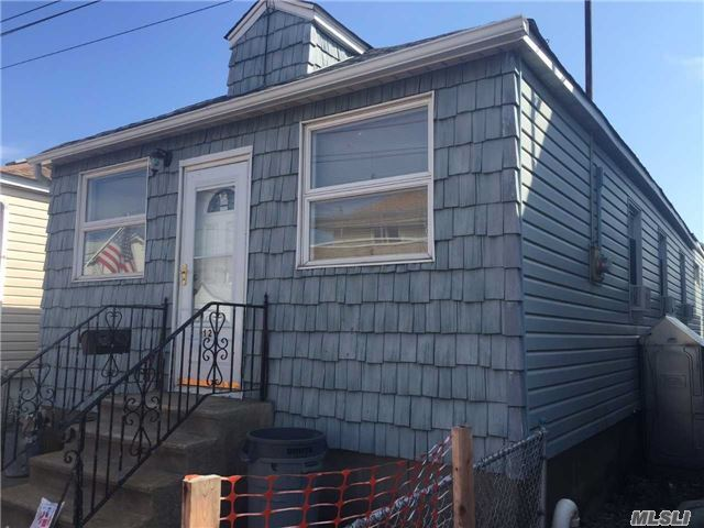 12 W 11th Rd, Broad Channel, NY 11693