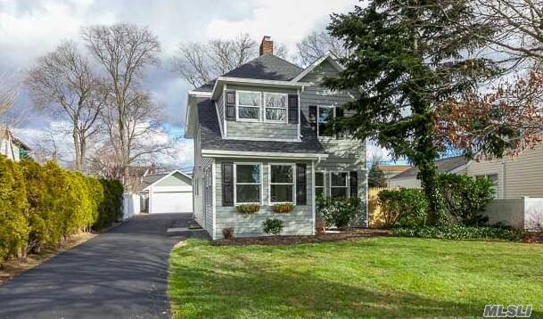 290 Windsor Ave, Brightwaters, NY 11718