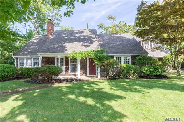 1 Overlook Rd, Brookhaven, NY 11719