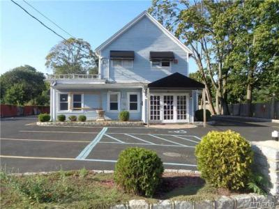 Photo of 31 W Suffolk Ave, Central Islip, NY 11722