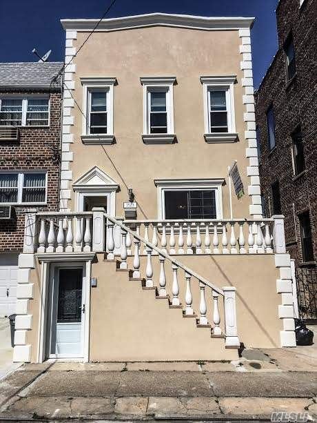 75-23 67 Dr, Middle Village, NY 11379