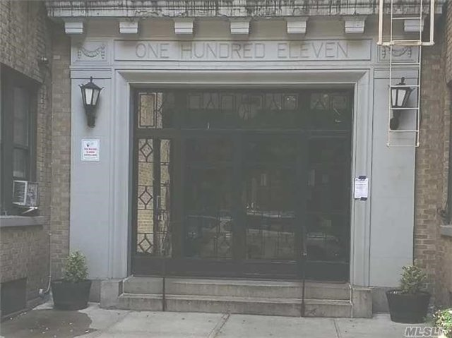 111 W 16 St #5k, Out Of Area Town, NY 10011