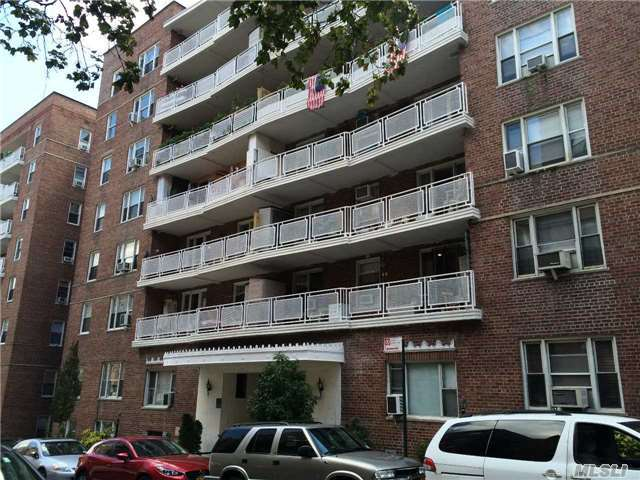 104-20 68th Dr #A18, Forest Hills, NY 11375