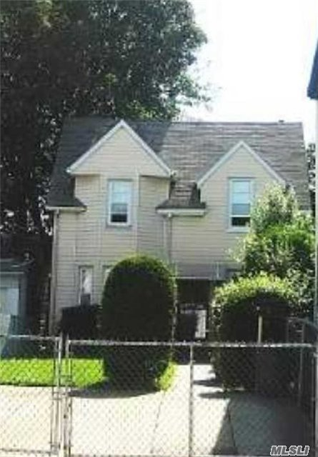 22-27 127 St, College Point, NY 11356