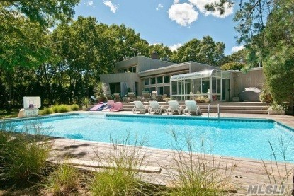 33 Fox Hollow Dr, E Quogue, NY 11942